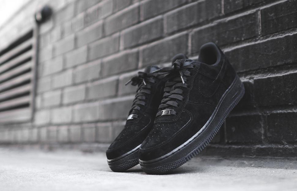 """Nike Air Force 1 Low """"Triple Black"""
