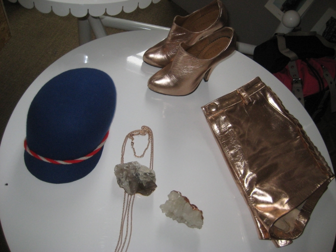 Shiny Minimarket shorts and heels with Bjørg jewelry and Soulland hat