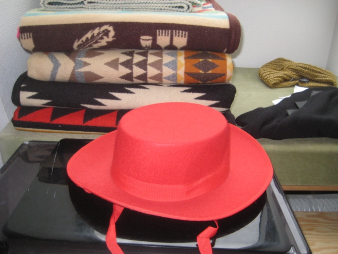 R/H hat and Pendleton blankets